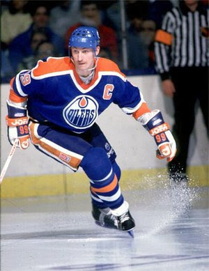 Wayne Gretzky and the '83-'84 Edmonton Oilers are definitely one of the favorites in this tournament. via emswift.blogspot.com