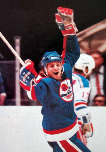 Dale Hawerchuk (Photo via gamewornauctions.net)